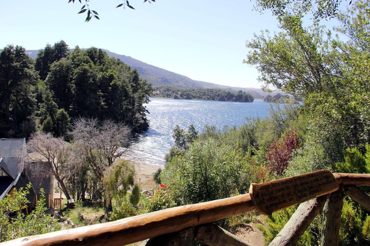 Bahía Rosedal - Apart Hotel de Montaña   Villa Pehuenia - Patagonia - Argentina