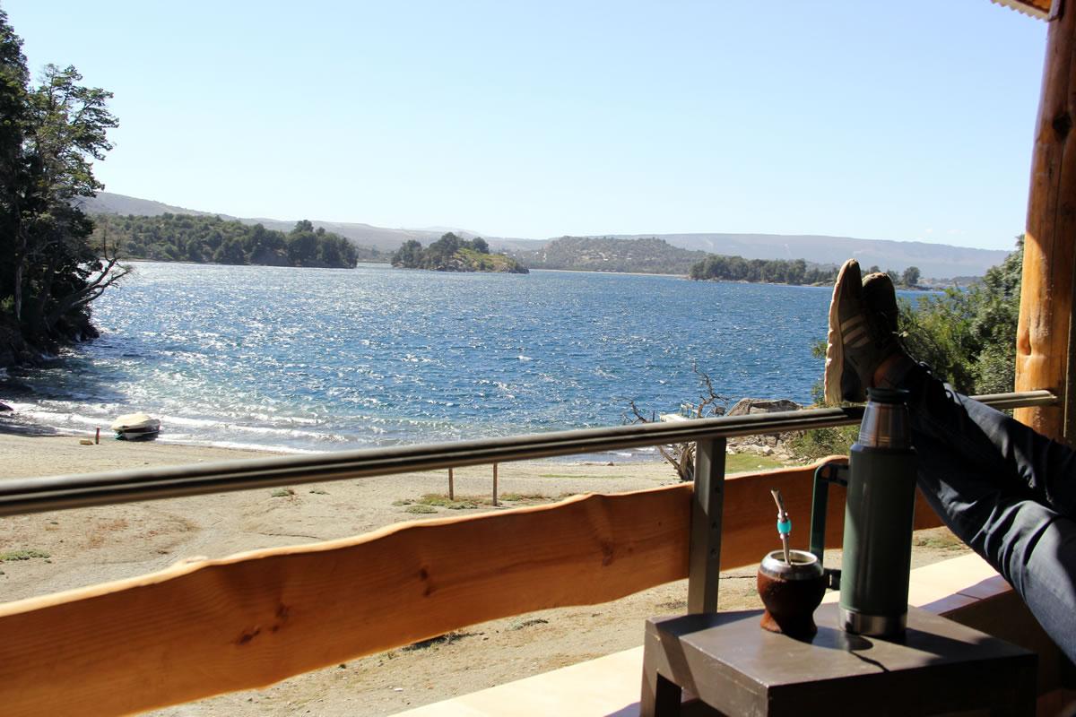 Duplex a orilla del lago - Bahía Rosedal - Apart Hotel de Montaña | Villa Pehuenia - Patagonia - Argentina