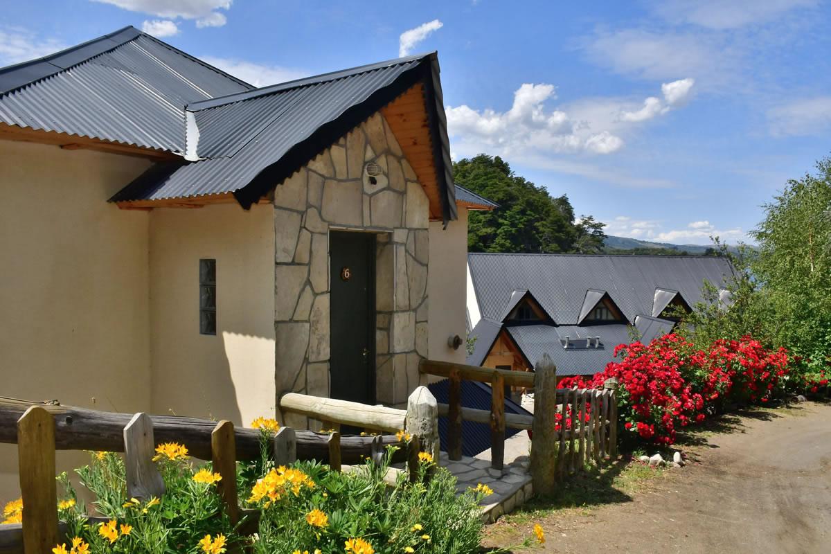 Cabaña de 1 planta - Bahía Rosedal - Apart Hotel de Montaña | Villa Pehuenia - Patagonia - Argentina